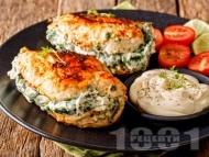 Пълнени пилешки гърди със спанак, крема сирене и майонеза